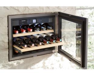 Įmontuojamas vyno šaldytuvas LIEBHERR WKEes 553 iš ekspozicijos